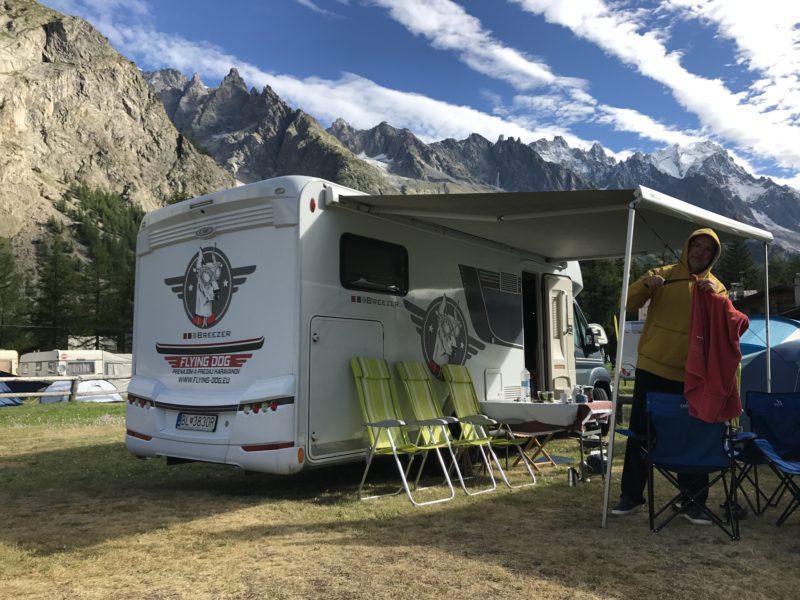 Flying_Dog_Caravans